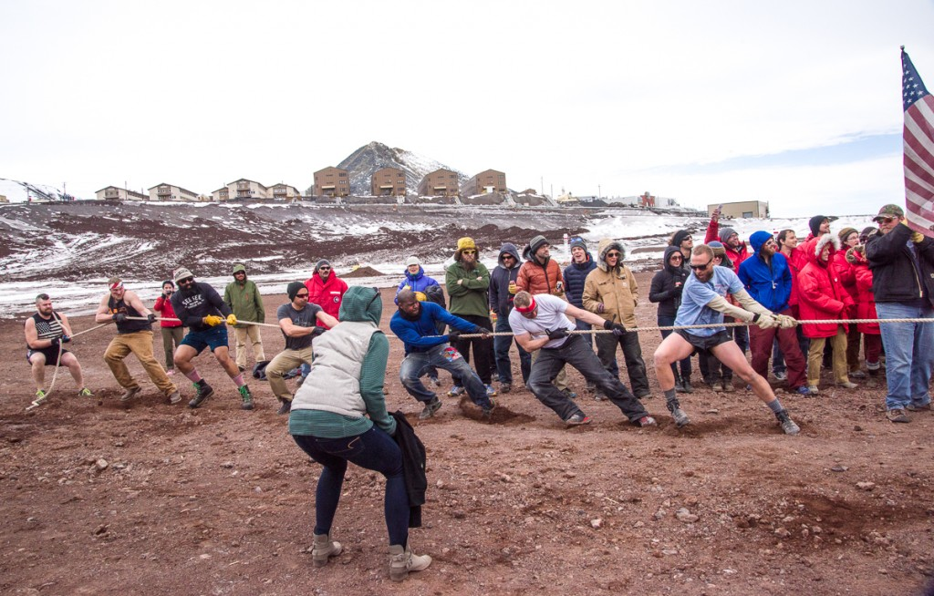 McMurdo tug of war