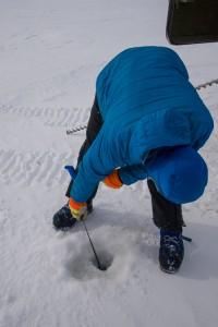 Measuring sea ice thickness